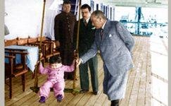 Bando-Cocukevi-Atatürk-ve-cocuk (19)