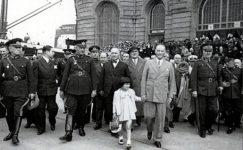 Bando-Cocukevi-Atatürk-ve-cocuk (2)