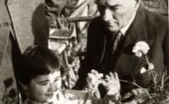 Bando-Cocukevi-Atatürk-ve-cocuk (9)